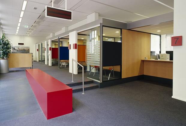 publiekswinkel roermond interieur werkplekken odeon architecten
