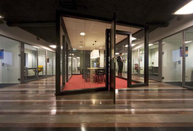 Odeon architecten interieur ernst young eindhoven for Interieur eindhoven